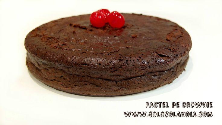 Para los amantes del #chocolate: #Pastel de #brownie Fácil #receta casera, paso a paso (incuye vídeo en HD)  http://www.golosolandia.com/2015/04/pastel-de-brownie.html