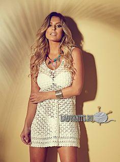 Вязаное крючком стильное пляжное платье - туника