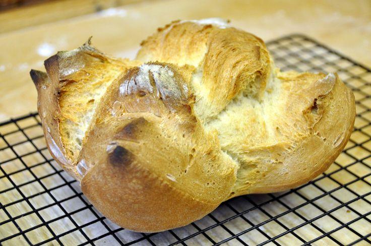 La raccolta delle mie ricette più' semplici che spigano passo passo come fare il pane in casa.