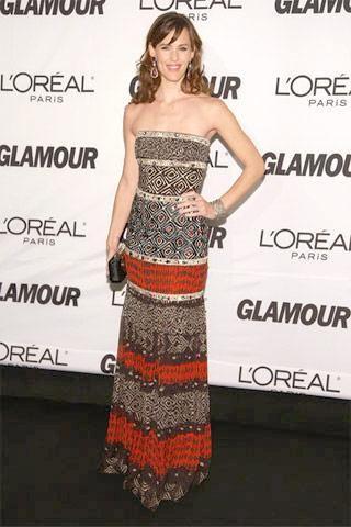 Who made Jennifer Garner's strapless long dress? Dress – Oscar de la Renta