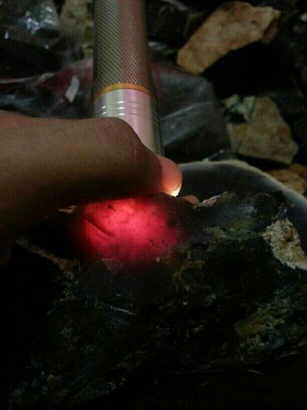 Rough Kecubung Api (Fire Amethyst)