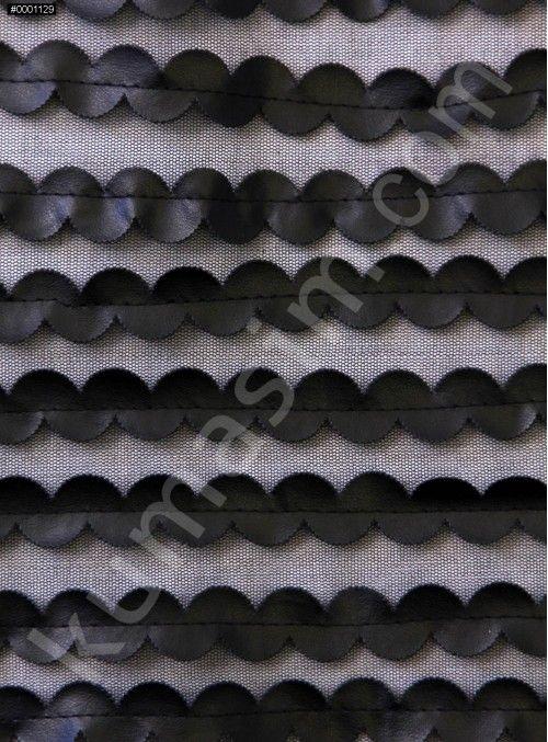 Abiye Kumaş, Gelinlik Kumaş, Nişanlık Kumaş, Kupon Kumaş, Aksesuar ve Tül Üzeri Şerit Desenli Siyah Deri Kumaş - K9443 modeli sizleri bekliyor. #kumaş #kumaşım #kumasci #abiye #elbise #gelinlikkumaş #mağaza #dantel #tesettür #butik #trend #kumaşçılar #aksesualar #swarovski #fabrics #terzi #ipek #dantel #gelinlik #elbiselik #payetli #modaevi #kadife #kumaşlar #love #instagram #design #moda #mood #style #3boyutlukumaş