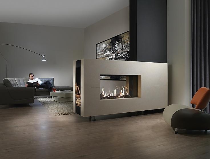 Lækker gaspejs fra Living Flames   FAIRO 105 TUNNEL med fjernbetjening  Brænde eller sten  Naturgas eller F-gas  Balanceret aftræk Ø150/200mm  Aftræk i siden