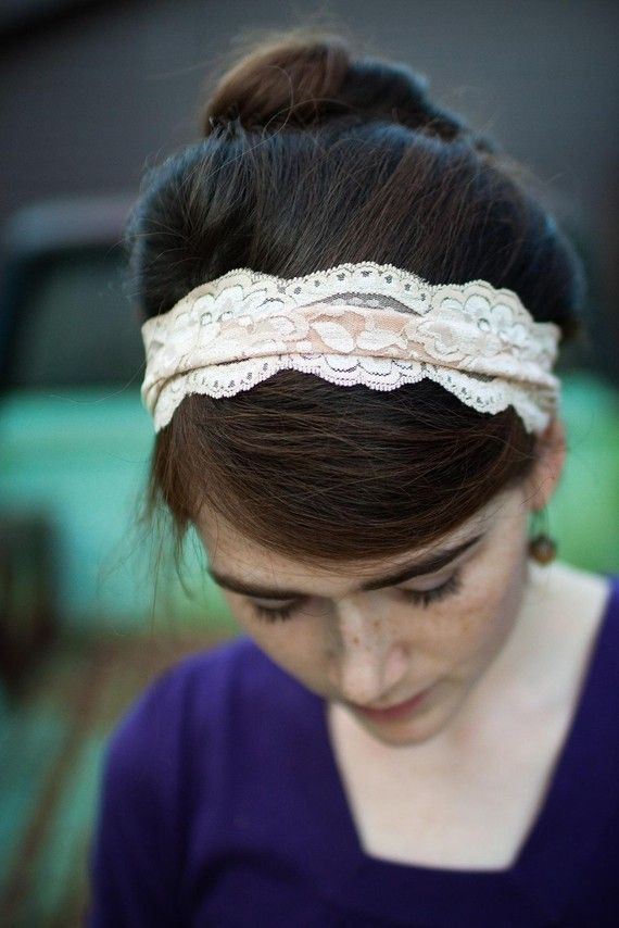 Pretty, delicate hairband.