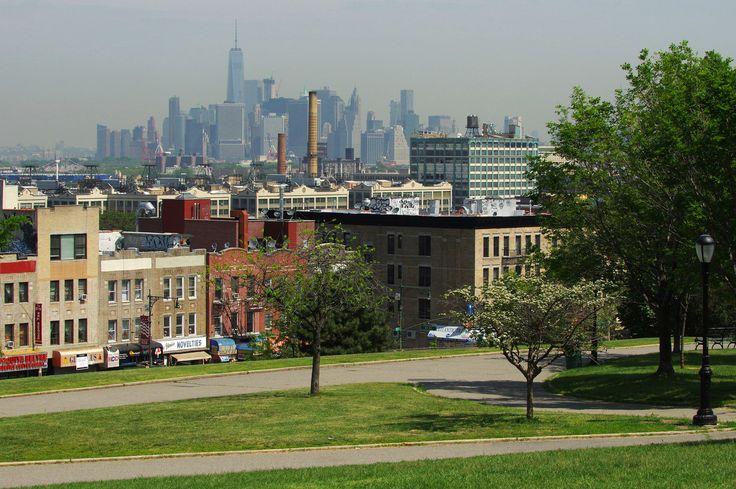 Manhattan skyline from Sunset Park - [2048 x 1362]