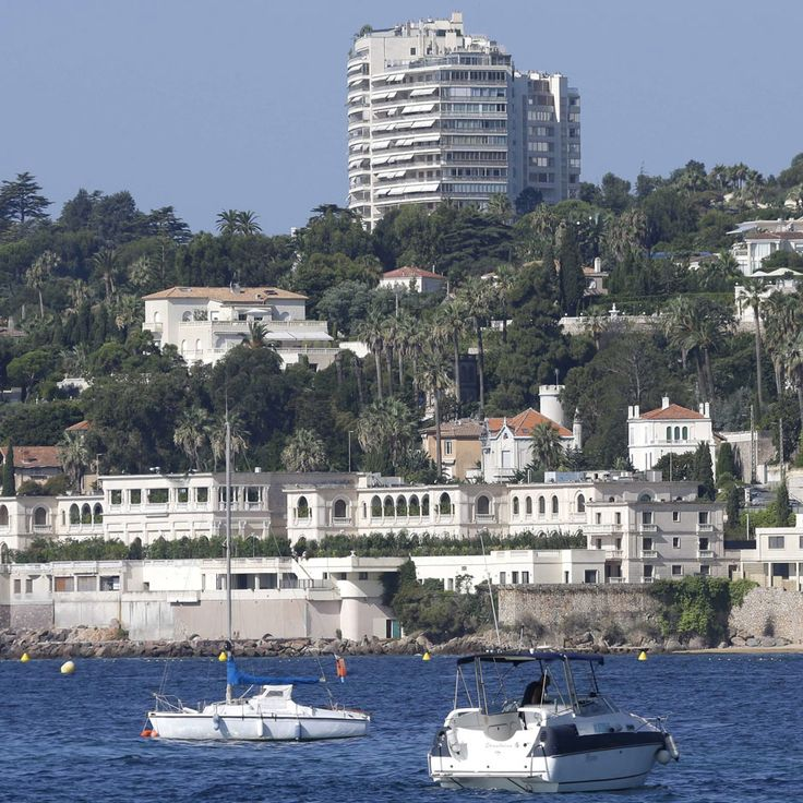 Droit de la construction : La plage et la loi « Littoral » - http://www.avocat-antebi.fr/droit-de-la-construction-la-plage-et-la-loi-littoral/ Maître Ronit ANTEBI - Avocat Grasse, Cannes, Nice, Antibes