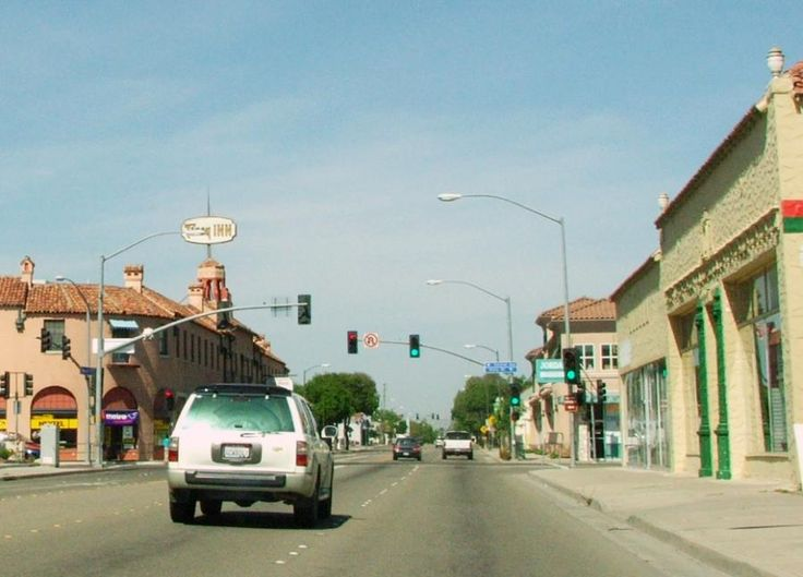 11th and Central Tracy California 14-May-2006 - Northern California - Wikipedia, the free encyclopedia