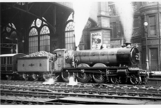 Glasgow Central Station: CR 61 preparing to depart with the 3.50pm to Liverpool on 2 October 1920