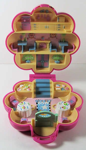 1990 Vintage Polly Pocket Mr. Fry's Restaurant COMPLETE Chef Dolls. $16.00, via Etsy.