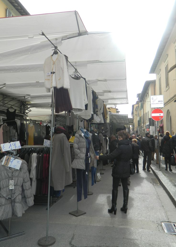 Outdoor Market in the town of San Giovanni every Saturday - from morning to early afternoon. The market includes cooked food, fresh fruits/vegetables, clothing, household items, and more. Similar outdoor market is in Figline Valdarno on Tuesdays, Montevarchi on Thursdays, and Incisa on Fridays.
