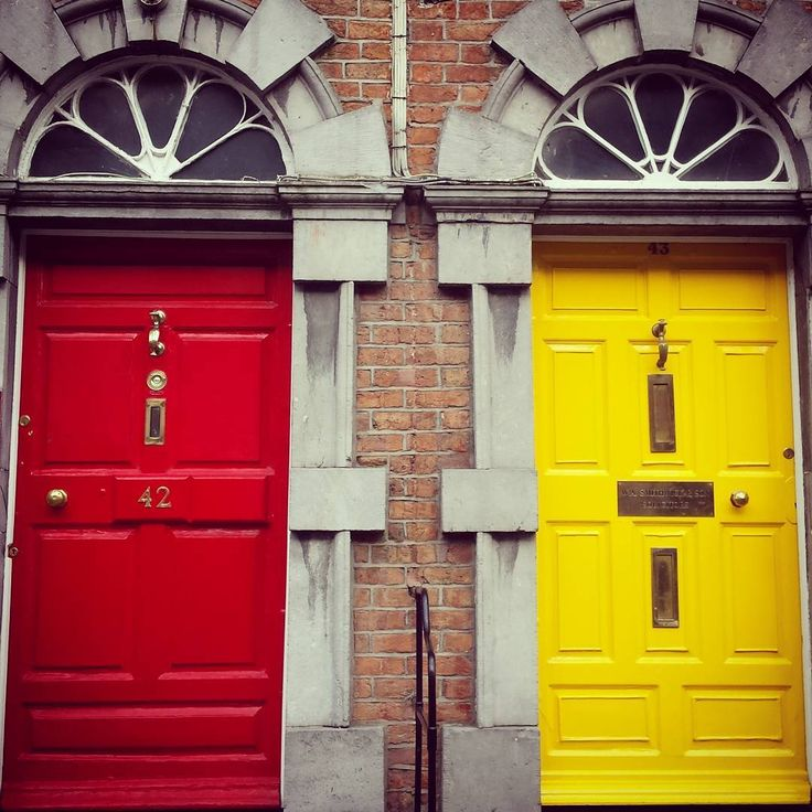 "12 oznaka ""sviđa mi se"", 1 komentara – Magdalena Jelić (@megwrite) na Instagramu: ""I believe there is a reason for colorful doors in Ireland and it is called weather :)) #colors…"""