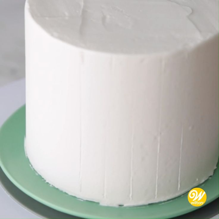 Wie man einen Buttercreme-Geburtstagskuchen macht