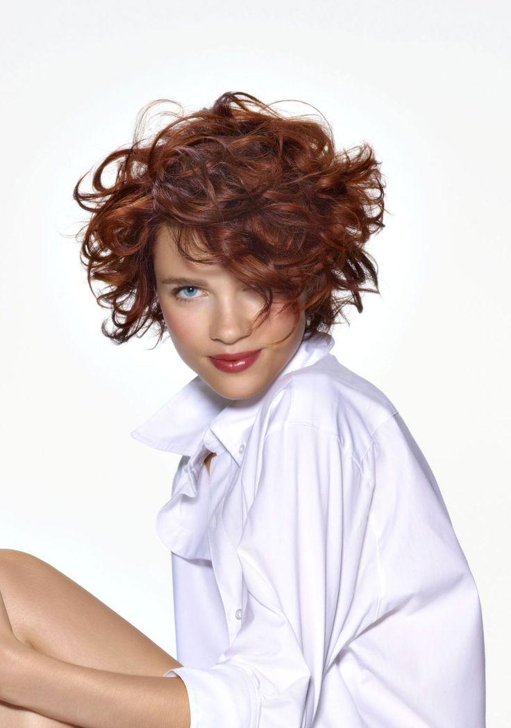 El Bob corto es el corte de pelo del momento. Desestructurado, con flequillo, escalonado... favorece a todas las mujeres, ya tengan el pelo liso, ondulado o rizado.    Si buscas un corte de pelo...