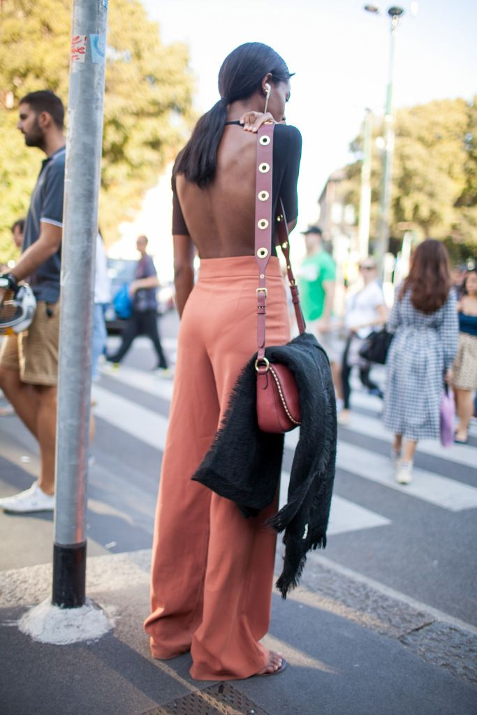 Street style at Milan Fashion Week Spring 2017 #Fashion #Women_Style