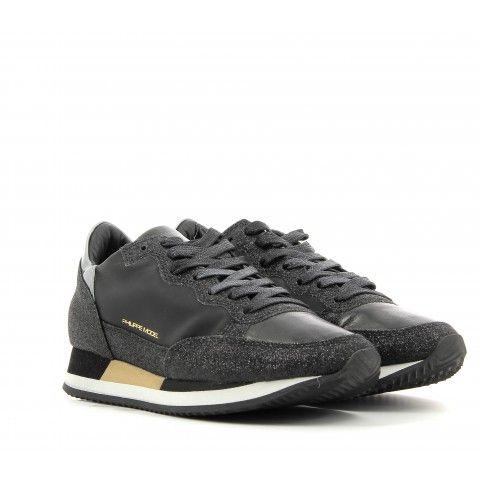 Sneakers en cuir noir - Philippe Model Baskets de ville, logo or et lacets  100% Cuir d'agneau Semelle intérieure de 1,5cm en cuir Semelle de 2,5 cm en  ...