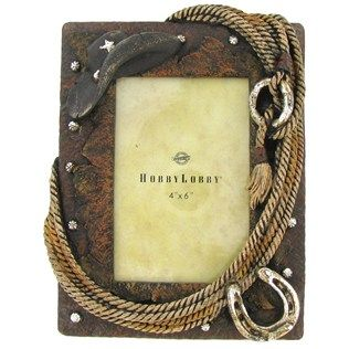 This hat and rope photo frame will add to the decor of Western or equine themed rooms.