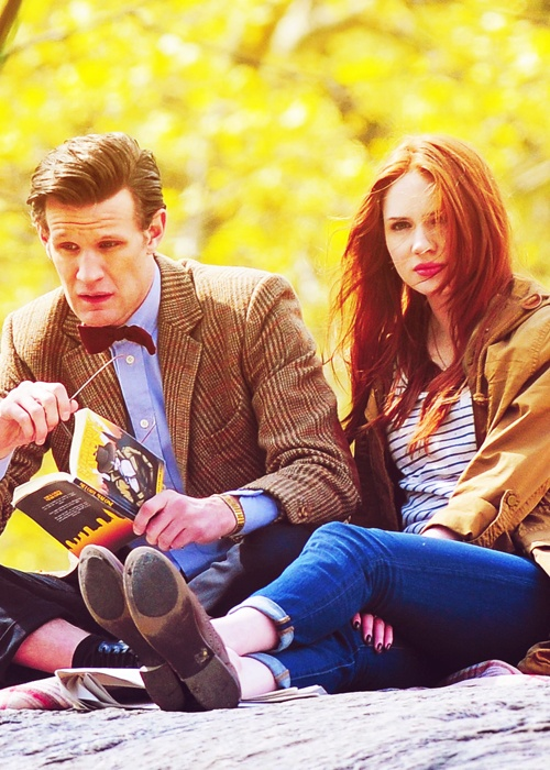 Matt Smith and Karen Gillan at the shooting of The Angels Take Manhattan *leaves the room so the noises of uncontrolled sobbing don't disturb others*
