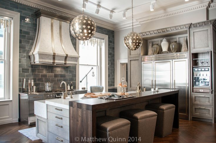 Kips_Bay_Matthew_Quinn_Kitchen_2014v.2-2 The wooden counter with stools is on wheels and can be moved away from the center island!
