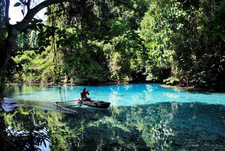 Vanuatu http://voyagerloin.com/voici-les-10-destinations-pour-voyager-quot-ethique-quot-en-2015.html