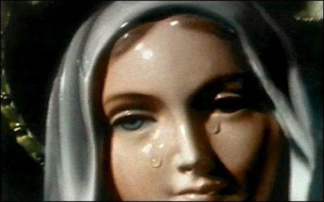 L'8 Marzo 1930, mentre stava inginocchiata davanti all'altare, Amalia Aguirre si sentì come sollevata e vide una Signora di meravigliosa bellezza: le sue v