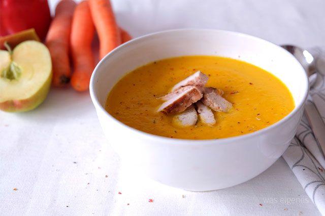 Möhren-Paprika-Apfel-Suppe mit Putenbruststreifen. / Rezept / was eigenes Blog
