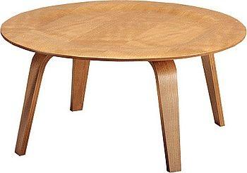 Mesa baja en madera terciada por Charles Eames