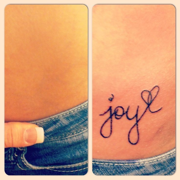 petit tatouage femme prenom hanche