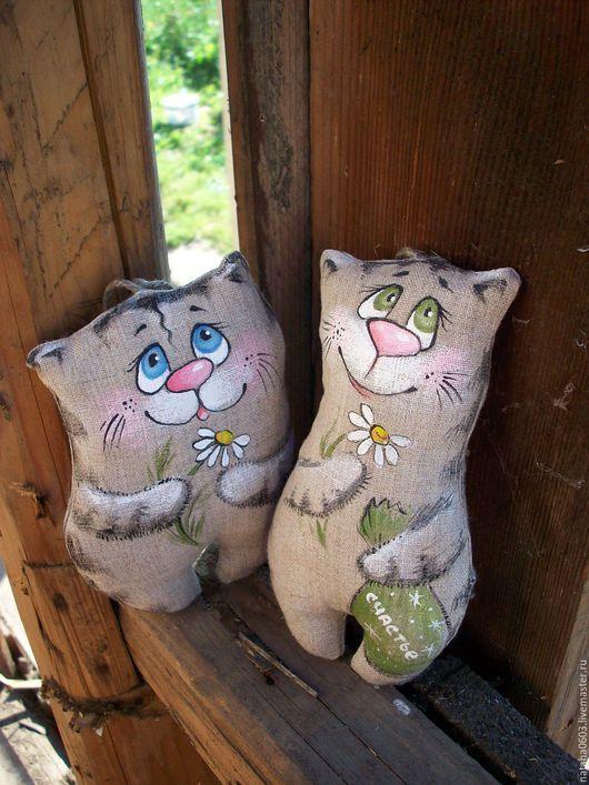 Игрушки животные, ручной работы. Ярмарка Мастеров - ручная работа. Купить Котик льняной...Любишь? Не любишь?....Роспись.. Handmade.
