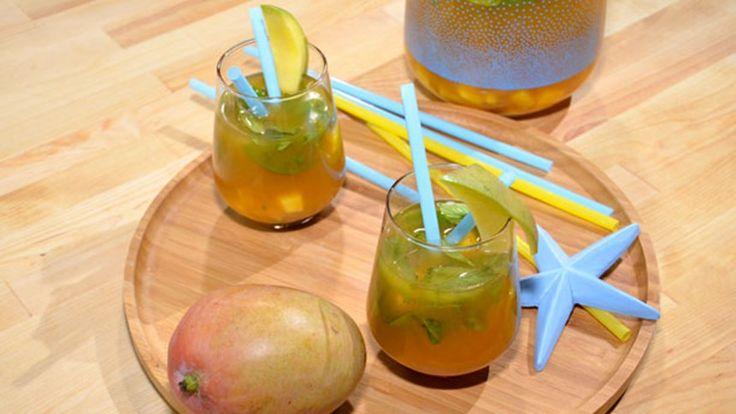 """Ev Yapımı Naneli Mangolu Buzlu Çay. Mangoyu """"Yemeye Hazır"""" seçmeyi unutmayın. #mango #yemeyehazir #buzlucay #cay #meyvelitarifler #evyapımı"""