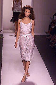 Oscar de la Renta Spring 2001 Ready-to-Wear Fashion Show - Oscar de la Renta, Isabeli Fontana
