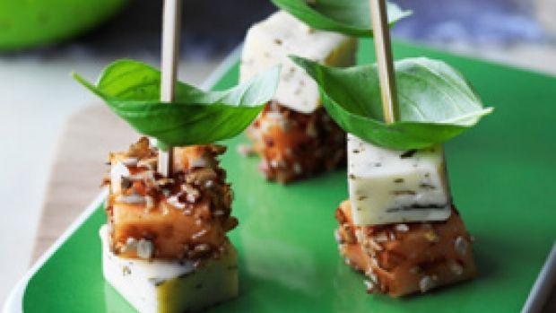 Krydret ostespyd med melon og solsikkekerner | Familie Journal