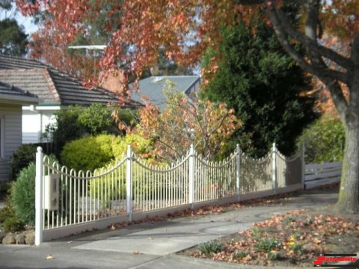 Standrite - Tubular Steel Fencing - Whitehorse Style With Curve