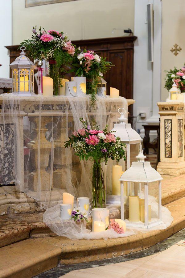 Luci Per Matrimonio Idee Luminose Per Allestire La Location Luminal Park Addobbi Floreali Matrimonio Fiori Cerimonia Di Nozze Navate Di Nozze