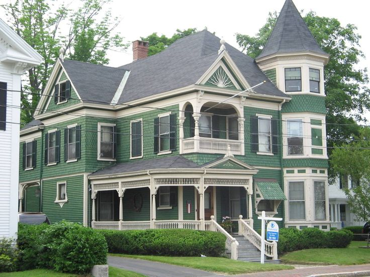 46 best smashing autumn week 8 images on pinterest for Queen anne victorian homes
