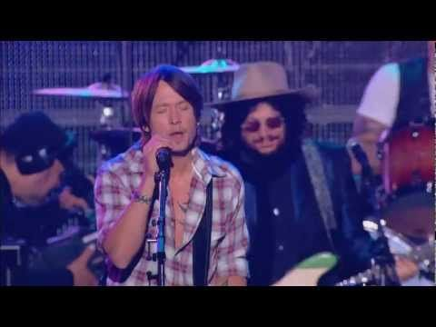 KEITH URBAN JOHN FOGERTY BOOKER T JONES ROCKIN IN THE FREE WORLD TRIBUTE TO NEIL YOUNG - YouTube