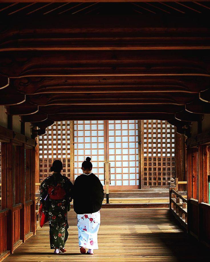 古都 京都 #京都 #清涼寺 #寺社旅 #仏閣 #和服姿 #奥行き同盟 #ig_japan #ぶらり京都撮影部 #ig_nihon #icu_japan #gf_japan #ig_gallery #japan_focus #japan_photo_now #japan_daytime_view #kitene #japan #kyoto #lovers_nippon #pkt_japan #wu_japan #wow_nihon #best_free_shot #instajapan #instaphoto by e90_tanaka