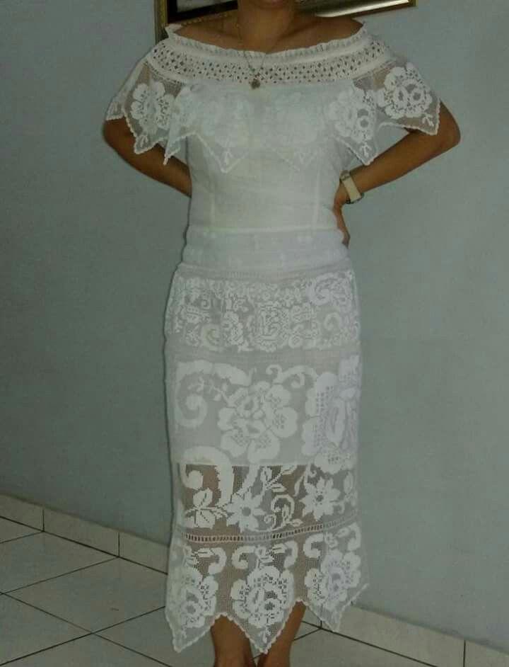 Hermoso vestido estilizado talco en sombra, encaje de pajita bellamente zurcido en mi colo preferido el blanco!