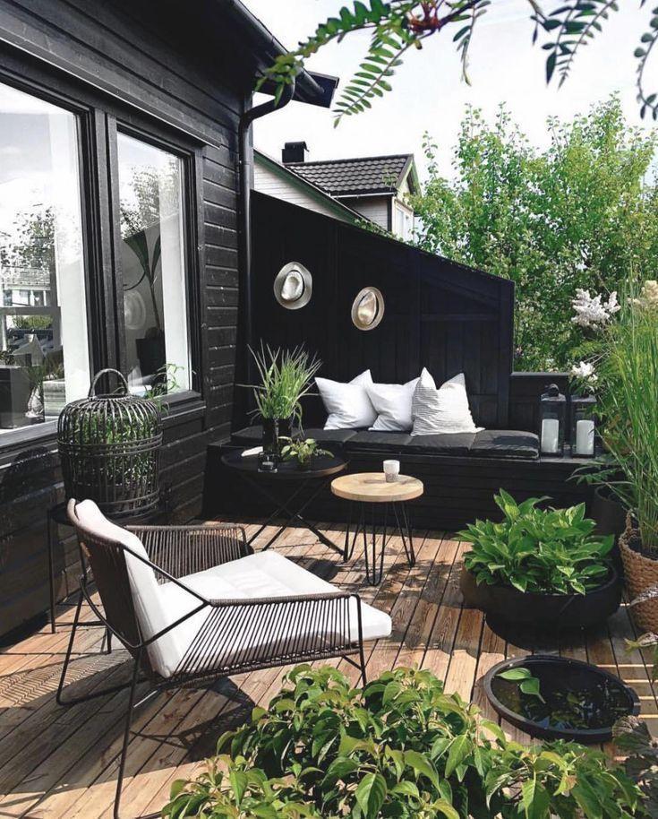 Schwarz im Garten ist hart, aber auch schick Ein schwarzer Garten sieht schick aus, aber auch industriell Eigenes Haus und Garten #backyard … – Simply by Simone