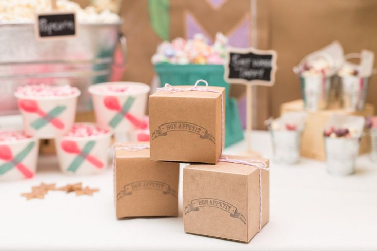 decorative gift boxes with lids wholesale