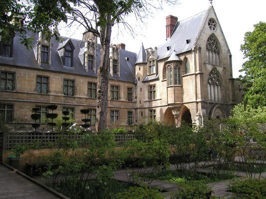 Musée de Cluny ( Musée du Moyen-Age) Paris quartier Latin is the home of the Unicorn Tapestries....I was in awe.