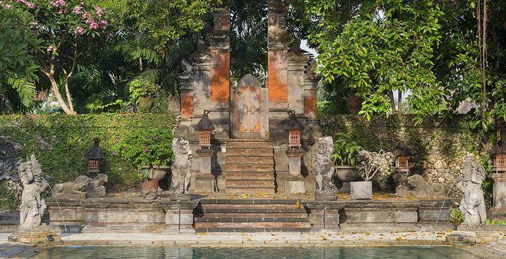 Villa Batujimbar-Back gate