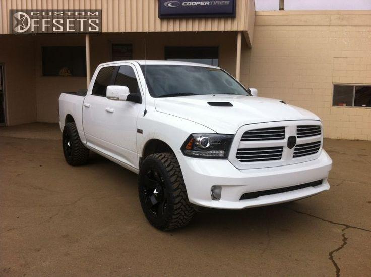 wheel offset 2013 ram 1500 aggressive 1 outside fender leveling kit custom rims - White Dodge Truck 2005