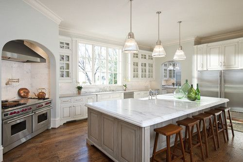 Traditional in Dallas. Symmetry Architects.Cabinets Colors, Dreams Kitchens, Traditional Kitchens, Custom Home, Kitchens Ideas, Kitchens Islands, Valley Lights, White Cabinets, Big Islands