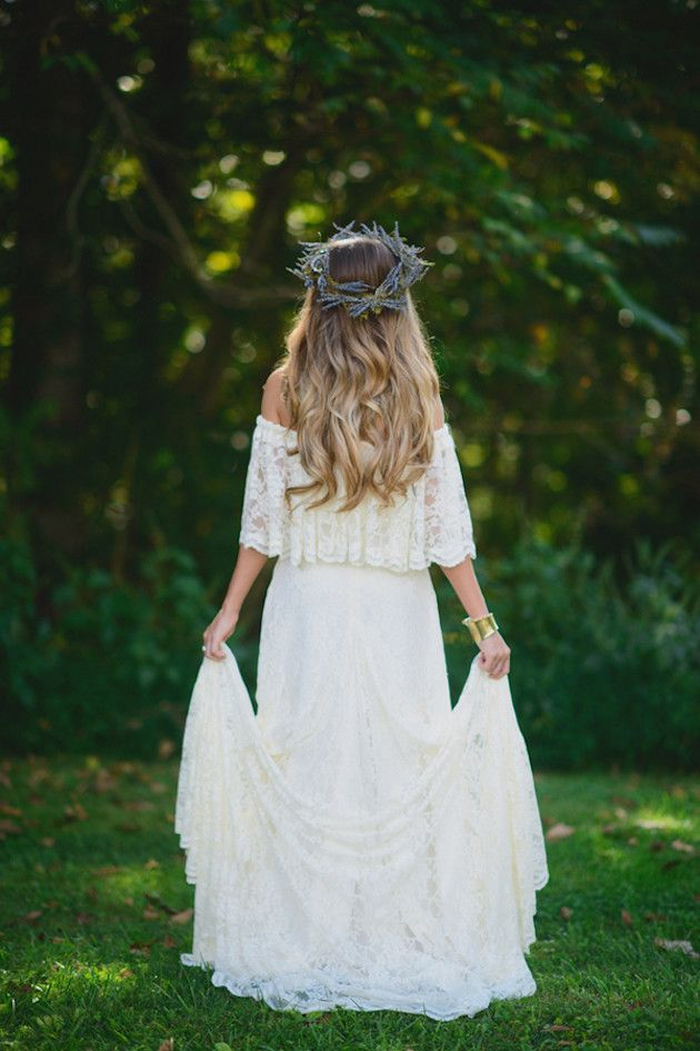 Celebrate your nature-inspired wedding by gathering the materials to create a DIY crown.