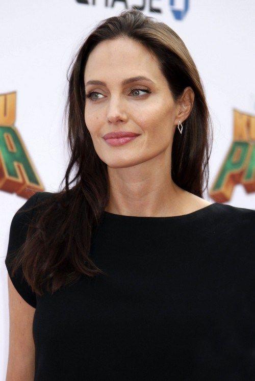 Angelina Jolie and Brad Pitt Negotiate Divorce Terms – Report