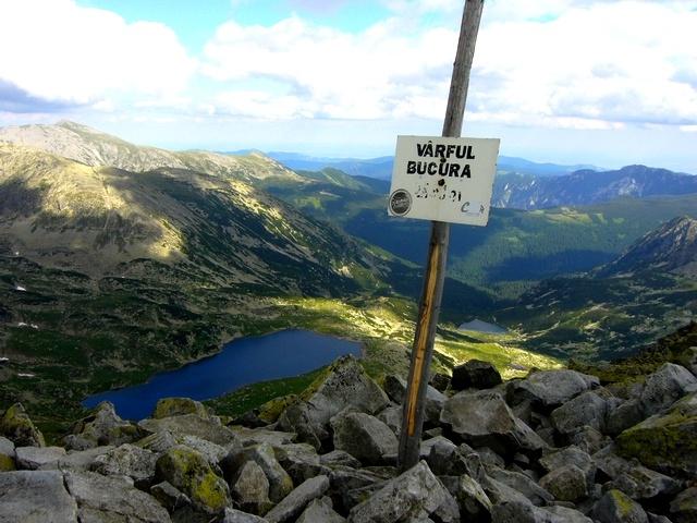 Retezat Mountains - Bucura Lake