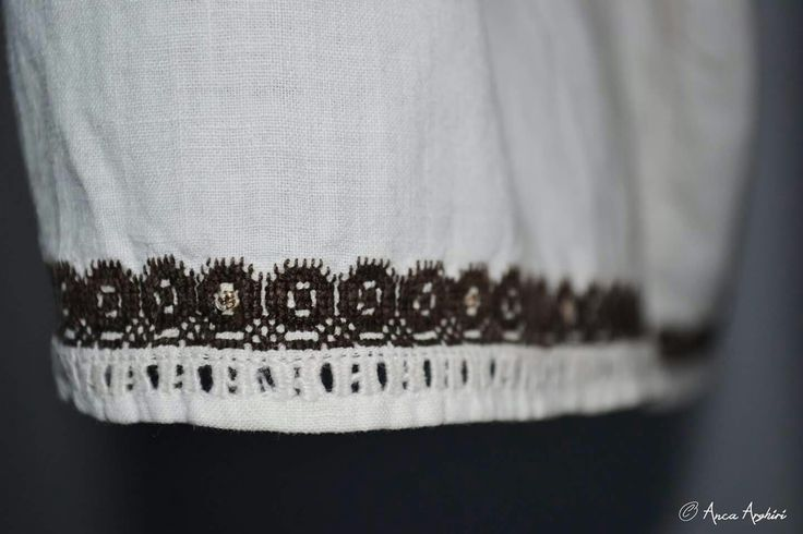 Romanian blouse detail. Adina Nanu collection. @ Comori etnografice Facebook page