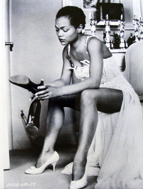 Eartha - a lady who rose from Southern cotton fields