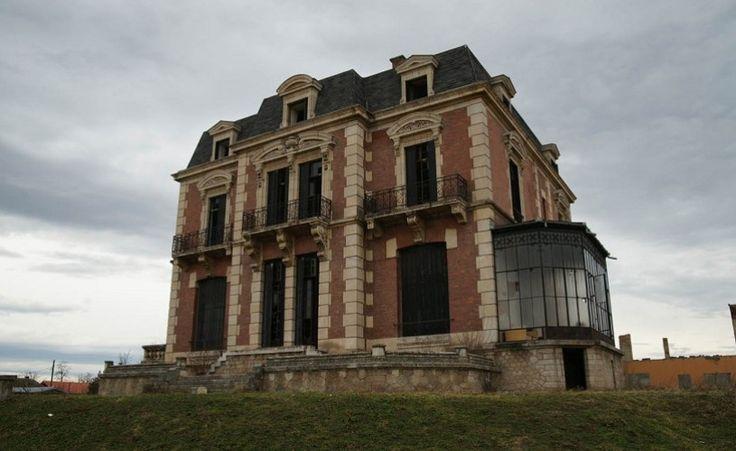 Palatul Pleșa – Neoclasic și țărani. Tabără de arhitectură