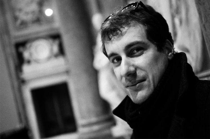 """È uscito il nuovo singolo di Mattia #Ringozzi, il #cantautore #lunigianese che vi abbiamo presentato in una intervista a lui dedicata, intitolato """"La Luce Segreta"""". Il brano è stato vincitore del premio """"Andare oltre si può"""", che ha avuto il piacere di eseguire al """"Lucca Summer Festival"""" nel luglio scorso."""